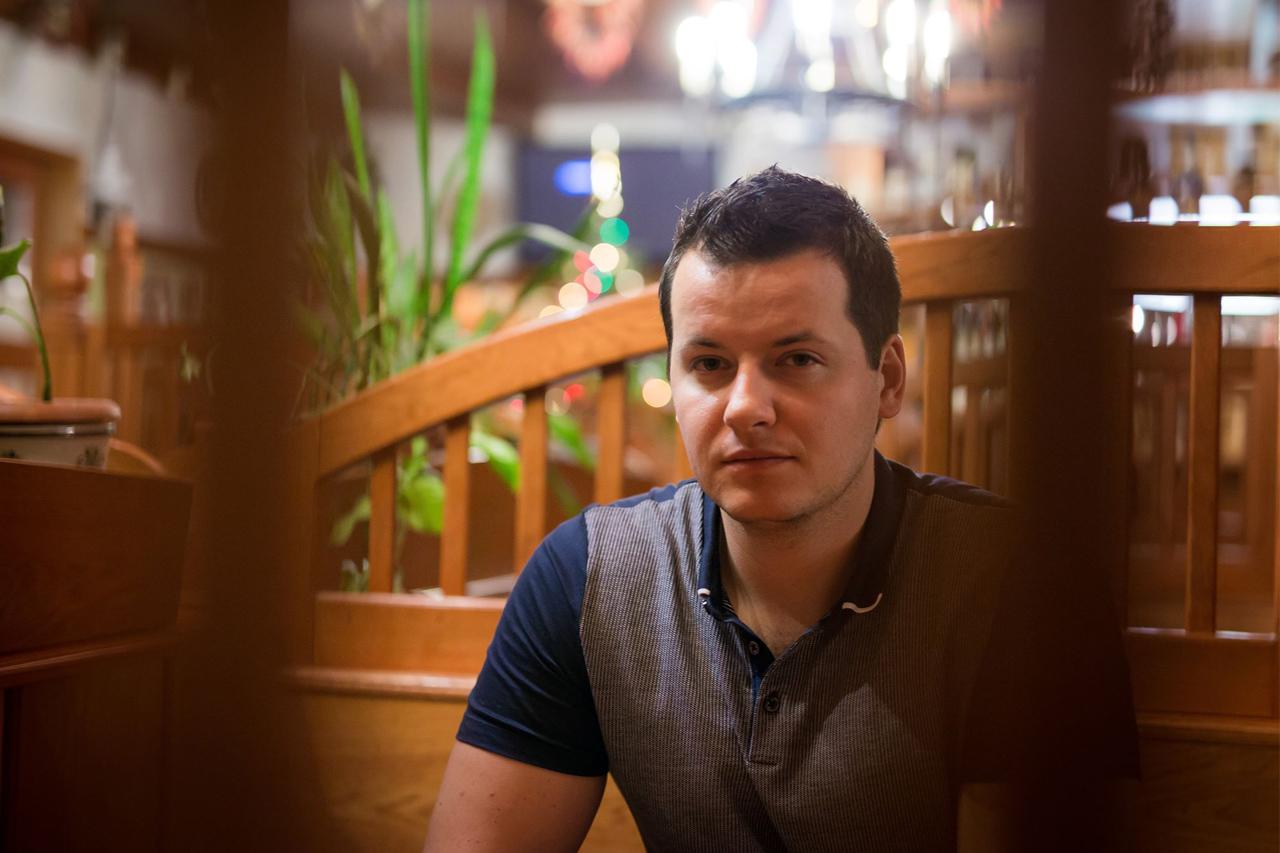 """""""Nagyon sokáig dolgoztam az éjszakában."""" – Interjú Csabai Márk krimiíróval"""