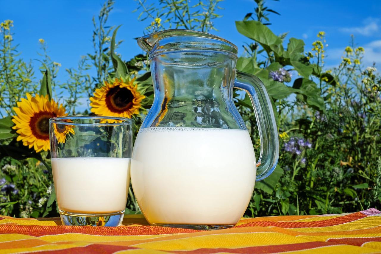 Anya figyelj oda, hogy elég tejet igyak, különben baj lehet!